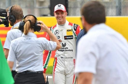 Mick Schumacher, emocionado al volante de un Fórmula 1 de su padre