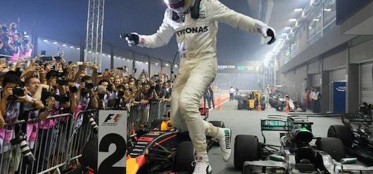 Hamilton domina con mano de hierro en F1